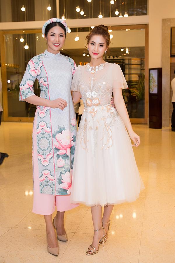 Hoa hậu Ngọc Hân khoe sắc cùng á hậu Diễm Trang.