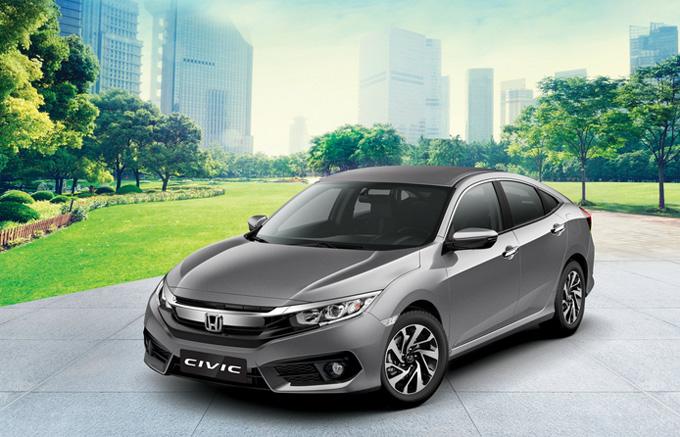Honda Civic: Với thiết kế thể thao phá cách cùng động cơ VTEC TURBO tiên  tiến đem lại khả năng vận hành thú vị và tiết kiệm nhiên liệu vượt  trội, Honda Civic thế hệ thứ 10 đã ghi dấu sự trở lại thành công với  doanh số bán năm 2017 cao hơn tổng doanh số 3 năm liên tiếp của Civic từ  2014 đến 2016. Với mong muốn đáp ứng phong phú hơn nhu cầu sở hữu mẫu  xe đậm chất thể thao cùng niềm vui cầm lái khác biệt, ngoài phiên bản  cao cấp nhất 1.5 L, Honda Việt Nam ra mắt thêm hai phiên bản mới của  Civic: 1.5 G (động cơ tăng áp 1.5L VTEC TURBO) và 1.8 E (động cơ 1.8L  i-VTEC). Với 3 phiên bản cùng các gói tính năng tiên tiến đa dạng, Honda  Civic hứa hẹn sẽ là sự lựa chọn tuyệt vời cho khách hàng với giá bán lẻ  đề xuất chỉ từ 758.000.000 đồng.