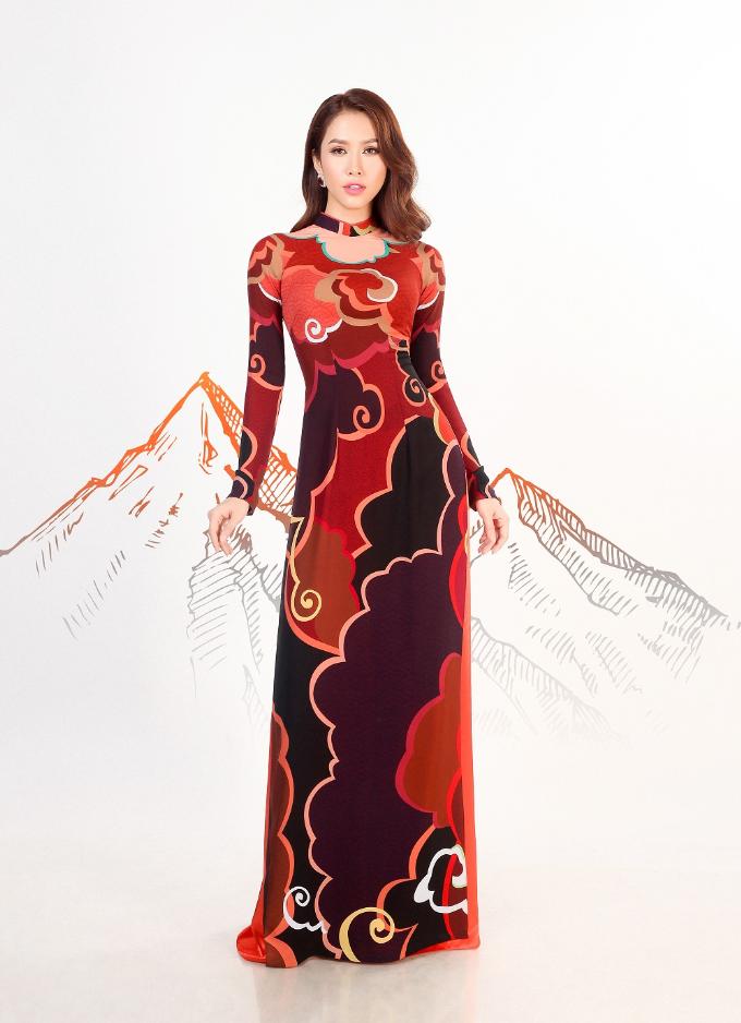 Thái Tuấn ra mắt BST áo dài Con đường tơ lụa - 3