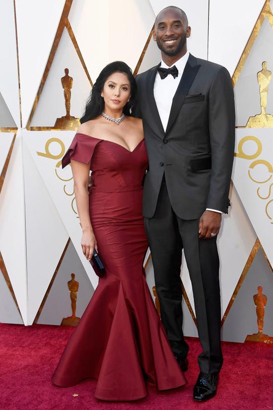 Ngôi sao bóng rổ Kobe Bryant và bạn đời Vanessa Laine. Năm nay, Kobe Bryant rất vui sướng khi được đề cử Oscar với bộ phim hoạt hình ngắn do anh viết kịch bản.