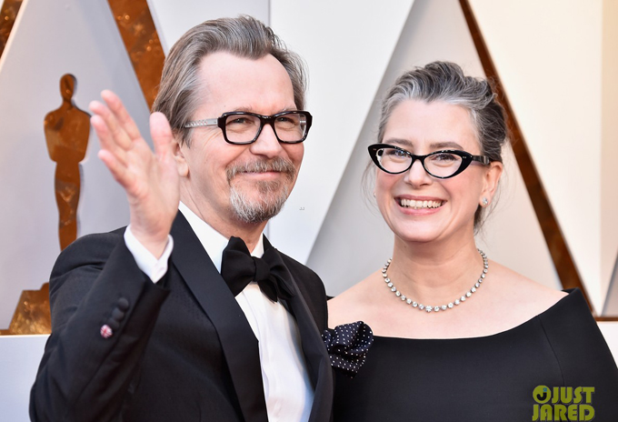 Bà xã đến ủng hộ Gisele Schmidt khi tài tử được đề cử giải Nam diễn viên chính xuất sắc cho vai Winston Churchill trong phim Darkest Hour.