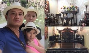 Bộ sưu tập đồ gỗ tiền tỷ của ông bố đơn thân ở Hà Nội
