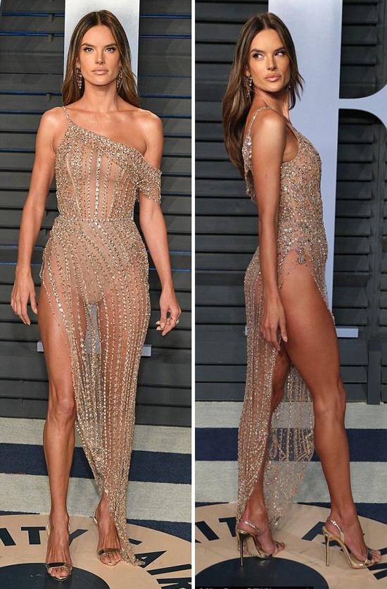 Thiên thần nội y Alessandra Ambrosio diện đầm nude gợi cảm.
