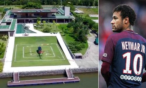 Neymar hồi phục chấn thương ở biệt thự gần bờ biển tại Brazil