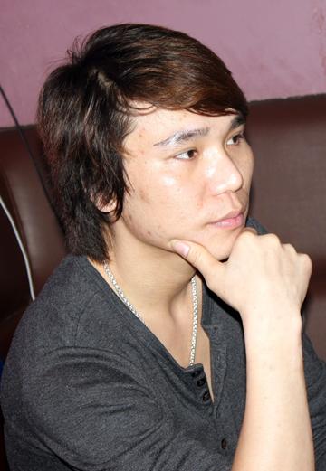 Ca sĩ Châu Việt Cường.
