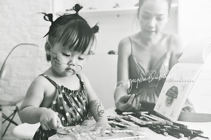 Zinni sớm bộc lộ nhiều năng khiếu về nghệ thuật từ nhỏ. Cô bé thích múa, hát và vẽ tranh.