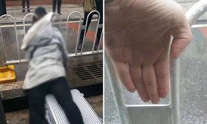 Vấp phải vali, cô gái trẻ mất mạng vì ngã kẹp cổ vào hàng rào