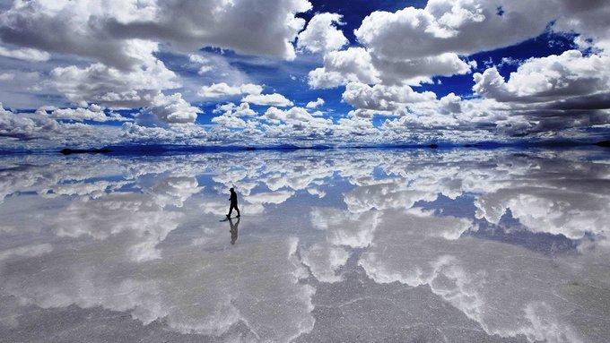 Salar de Uyuni - 'Mặt gương muối' lớn nhất thế giới ở Bolivia