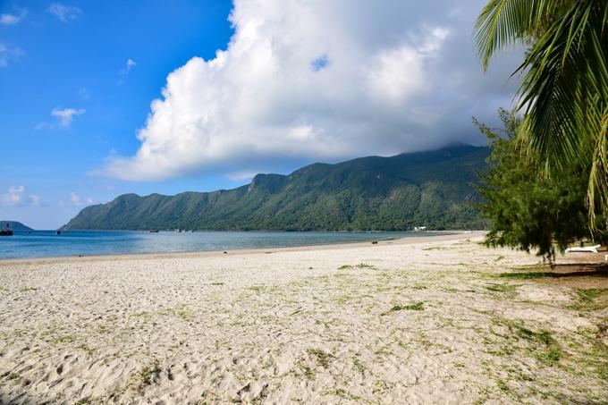 Du khách sẽ hòa vào không gian thật khoáng đạt ở Côn Đảo.