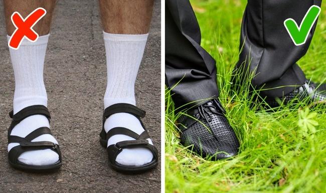 Đôi giày.Một đôi giày rách, và bẩn chứng tỏ người mang chúng không gọn gàng, sạch sẽ. Việc lựa chọn một đôi giày có thể nói lên nhiều điều về chủ nhân của nó. Vì vậy, đừng quên chăm chút cho tiểu tiết nhưng không kém phần quan trọng này.