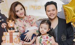 Vợ chồng Trang Nhung mở tiệc hoành tráng, mừng con trai đầy tháng