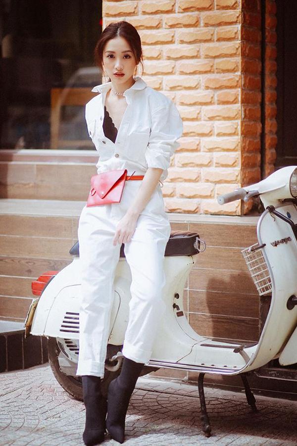 Trước khi bén duyên với phim ảnh, Jun Vũ được giới trẻ ngưỡng mộ với hình ảnh của một fashionista theo đuổi phong cách thanh lịch, nhẹ nhàng và nữ tính.
