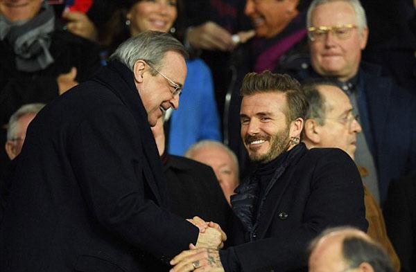 Cựu sao 42 tuổi bắt tay chào hỏi Chủ tịch Real, Perez.