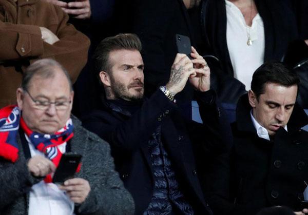 Trước đó trong trận lượt đi giữa hai đội, Becks không sang Madrid xem vì đúng dịp Valentine.