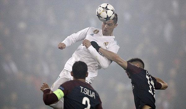 Trên sân nhà của PSG, Real vẫn chiếm thế áp đảo và mở tỷ số bằng pha bật cao đánh đầu của C. Ronaldo.