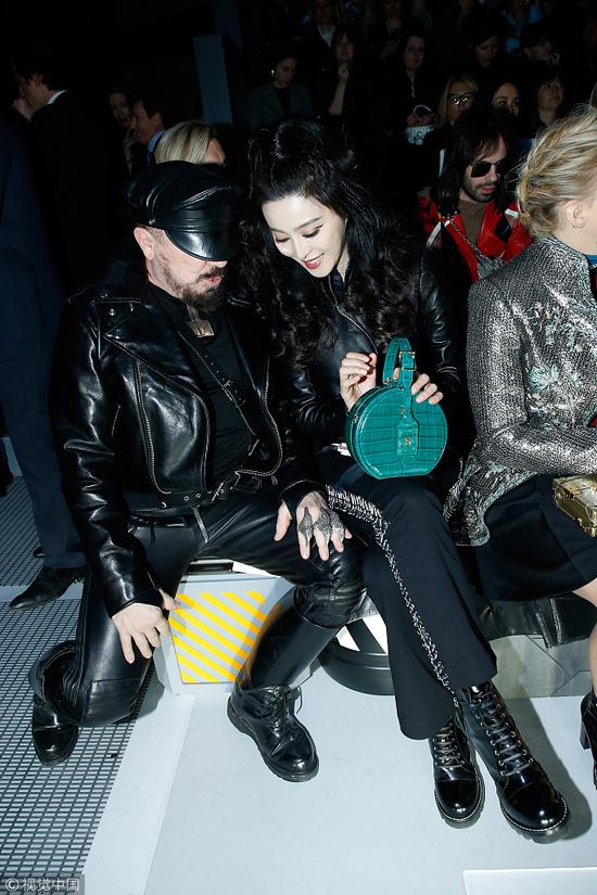 Phạm Băng Băng diện nguyên cây đen khi dự Tuần lễ Thời trang Paris - 3