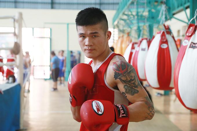 Trương Đình Hoàng mong muốn chứng minh được sự lợi hại của boxing khi đấu với Pierre Flores. Ảnh: VT.