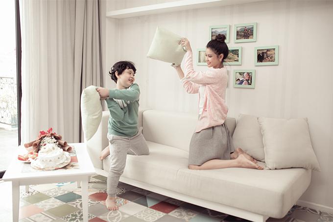 Đời thường đáng yêu của mẹ con Trương Quỳnh Anh - 1