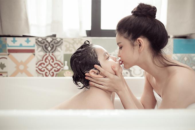 Đời thường đáng yêu của mẹ con Trương Quỳnh Anh - 4
