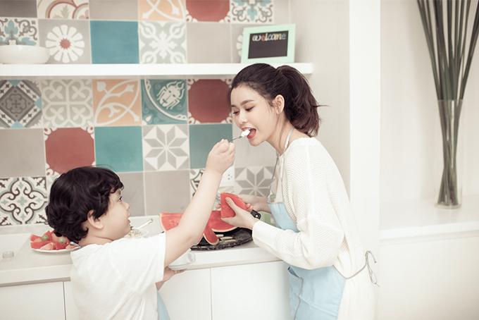 Đời thường đáng yêu của mẹ con Trương Quỳnh Anh - 6
