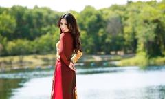 Khả Trang cùng dàn mẫu diện áo dài tôn vinh vẻ đẹp phụ nữ Việt