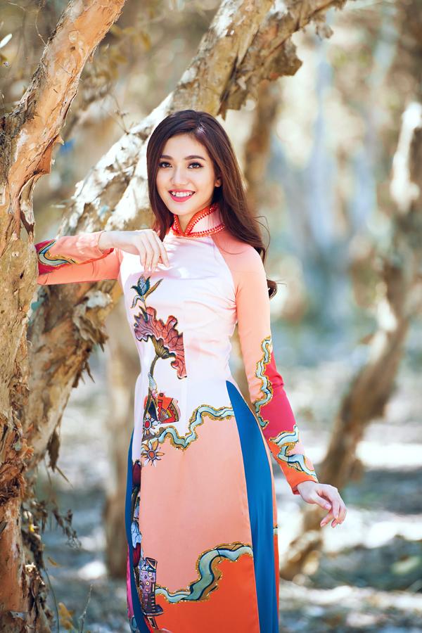 Bộ ảnh được thực hiện với sự hỗ trợ của nhiếp ảnh Huỳnh Lê Huy, concept & stylist Đăng Tuấn, người mẫuKhả Trang, Khánh Ngọc, Lê Thu An, Thùy Dung, Hồng Đào.