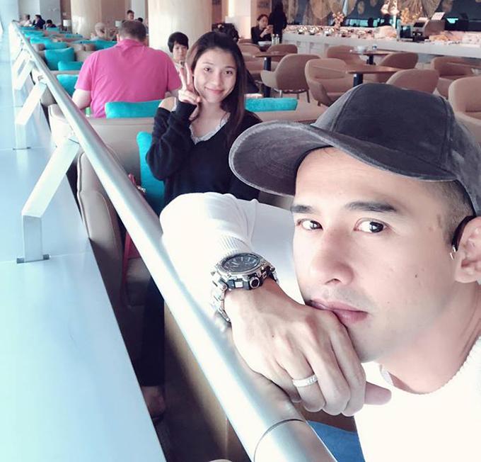 Vợ chồng Lương Thế Thành - Ngọc Diễm lên đường lưu diễn nước ngoài một tháng.
