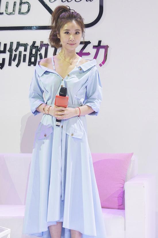 Trái với tin đồn bị Đại lục hắt hủi, Lâm Tâm Như vẫn đều đặn chạy show tại Bắc Kinh, Thượng Hải..., cho thấy sức hút của mỹ nhân Đài Loan không hề thay đổi.