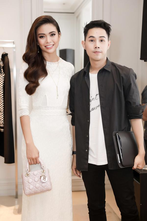 Nhà thiết kế Lâm Gia Khang có mối quan hệ thân thiết với Mâu Thủy.