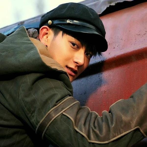 Tạo hình của cựu thành viên EXO trong bộ phim Phi hổ thiết đạo.