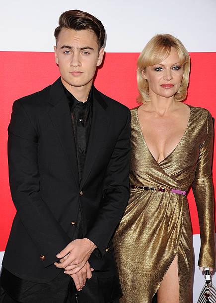 Brandon Lee và mẹ.