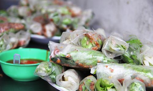 Ăn vặt gì ở Sài Gòn với 20.000 đồng?