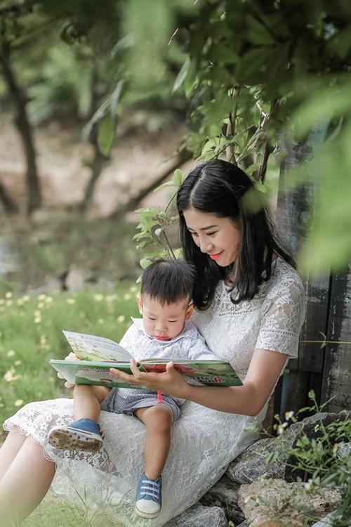 Trang mong muốn con trai có tuổi thơ không Ipad và điện thoại.