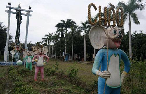 Những bức tượng đầy biểu cảm trong công viên bỏ hoang ở Phan Thiết - 3