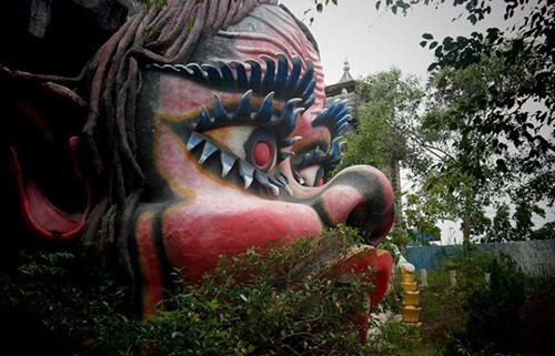 Những bức tượng đầy biểu cảm trong công viên bỏ hoang ở Phan Thiết - 7