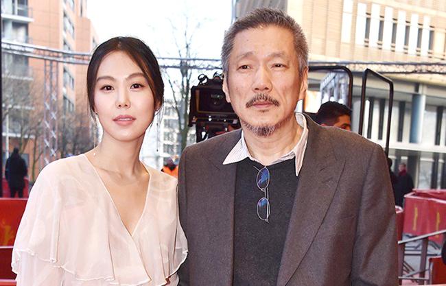 Kim Min Hee và đạo diễn Hong. Ảnh: News