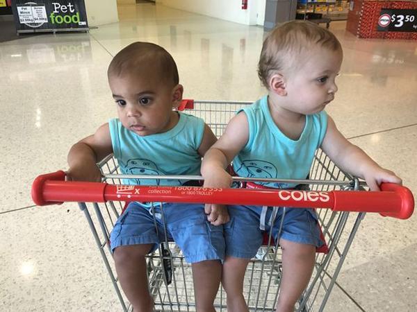 Ít người tin rằng Lucas và Levi là anh em sinh đôi. Ảnh: Mirror