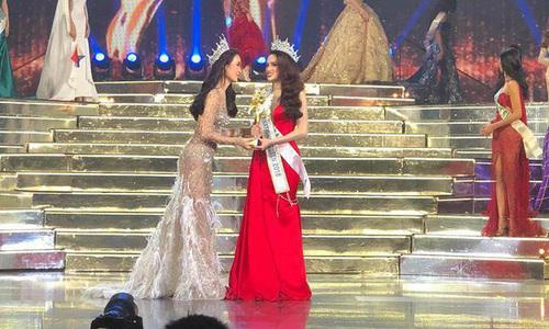 Các màn trình diễn ấn tượng giúp Hương Giang giành ngôi Hoa hậu