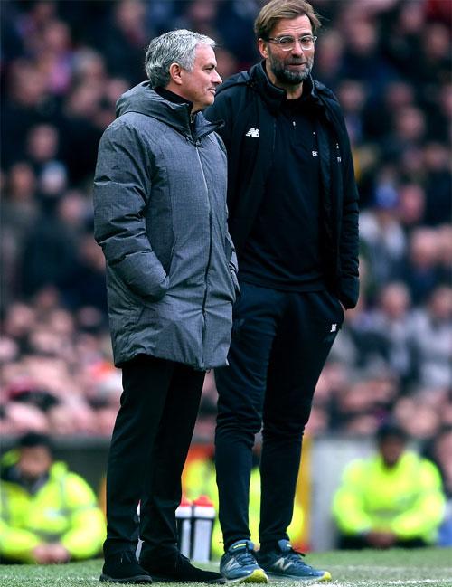 3 điểm giành được trước Liverpool, thầy trò HLV Mourinho củng cố vị trí thứ hai, hơn chính đối thủ 5 điểm.