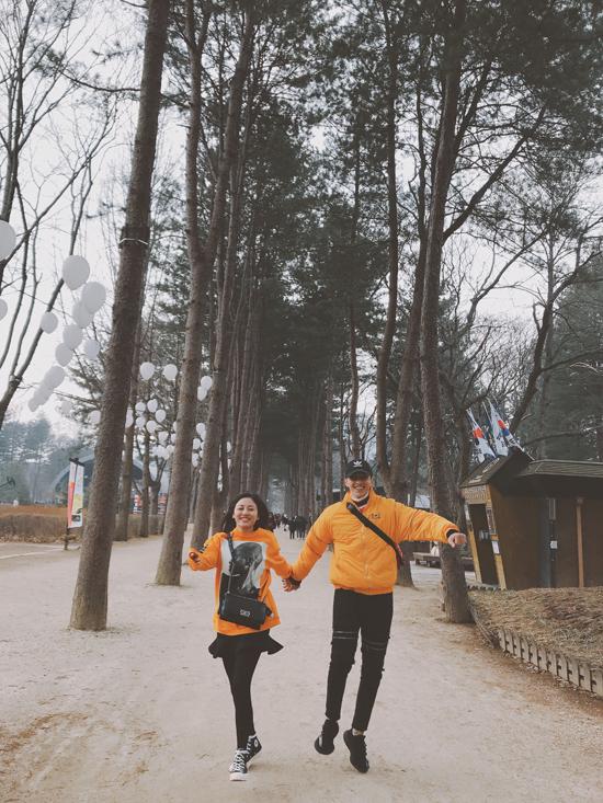 Văn Mai Hương mặc đồ đôi, tình tứ bên Bình An ở Hàn Quốc - 9