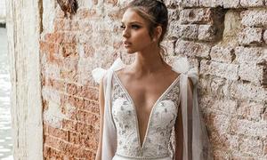 Váy cưới 2018: Khúc biến tấu của phần cổ và họa tiết trang trí (Phần 2)