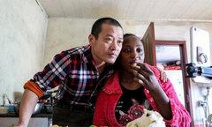 Cặp vợ chồng được 'săn lùng' khắp Trung Quốc nhờ live-stream cuộc sống đời thường