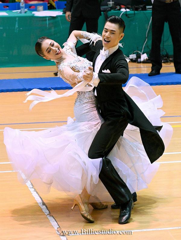 Anh Minh và Trường Xuân là cặp đôi vàng của dancesport Việt Nam.