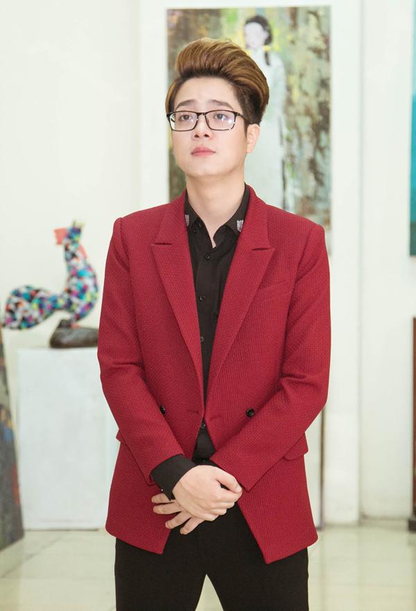 Bùi Anh Tuấn tại họp báo ngày 12/3.