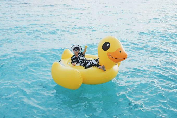 Kỳ nghỉ ở Maldives nắng ấm của MC Quỳnh Chi và Thuỳ Dung
