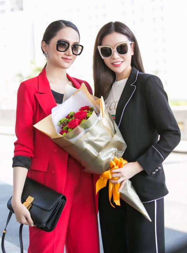 Hoa hậu Lam Cúc có mối quan hệ thân thiết với Hương Giang từ nhiều năm nay. Cả hai thường xuyên chia sẻ với nhau về công việc, cuộc sống cũng như bí quyết làm đẹp.