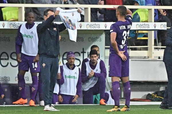 Trận đấu kết thúc với chiến thắng 1-0 của Fiorentina và cầu thủ lập công là Vitor Hugo. Ngay sau khi ghi bàn ở phút thứ 8, Vitor Hugo chạy về khu kỹ thuật của Fiorentina giơ tay chào chiếc áo in hình đội trưởng đoản mệnh.