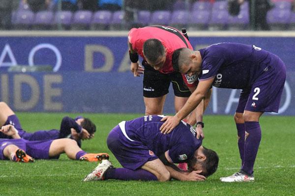 Sự ra đi bất ngời của Davide Astori khiến các đồng đội, đồng nghiệp bị sốc.
