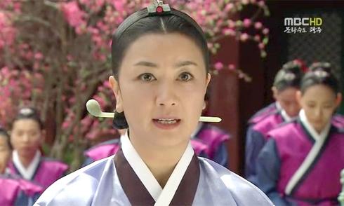 Ngôi sao phim 'Dae Jang Geum' phá sản vì khoản nợ của chồng cũ