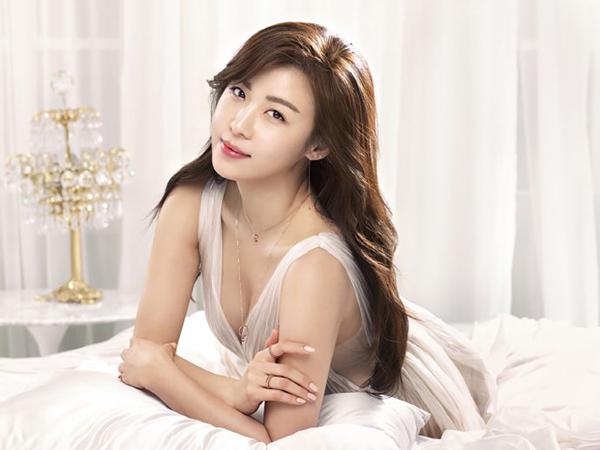 Ha Ji Won thích uống sinh tố bí ngô để làm đẹp da và giữ vóc dáng thon thả.